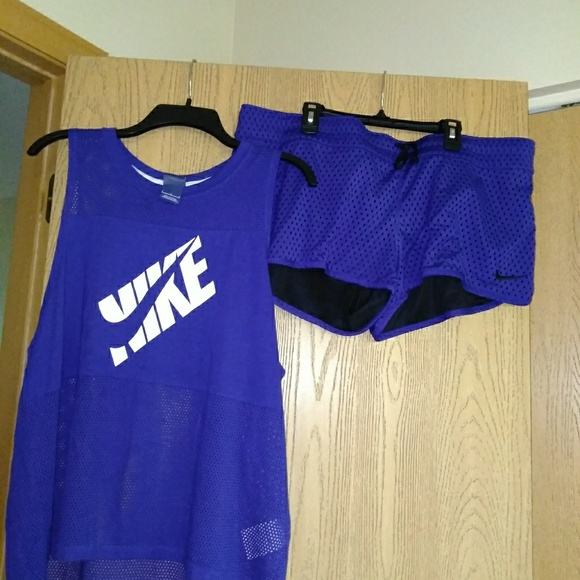 Nike Tops - Nike shorts antop brand new